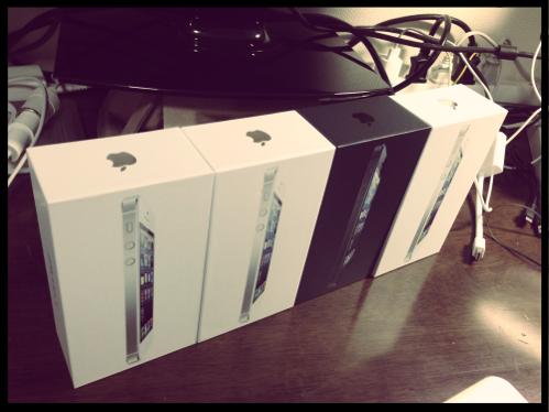 家族4人全員が iPhone 5 に乗り換えました! でもひとつだけ不良品が…。