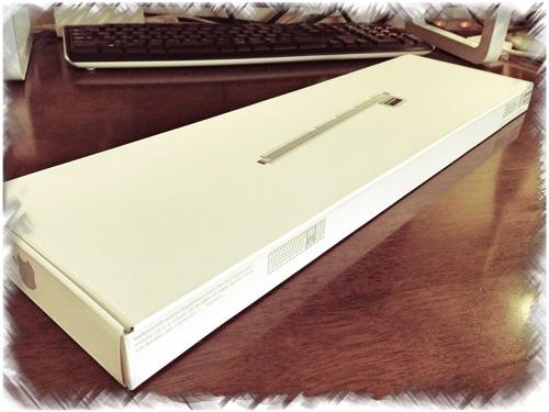 Apple Keyboard(テンキー付き)を開封! サイドがUSBハブになってる!