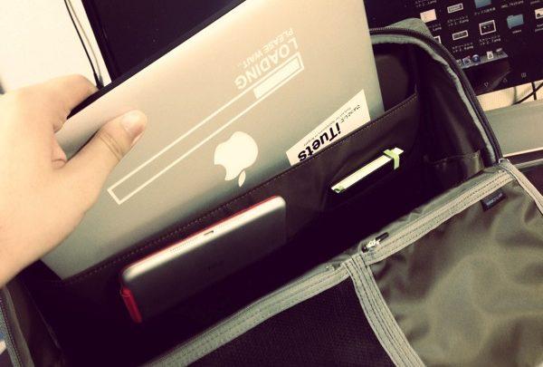 ひらくPCバッグ2013のオリーブグレーを開封レビュー! 大学生にもオススメ【後編】