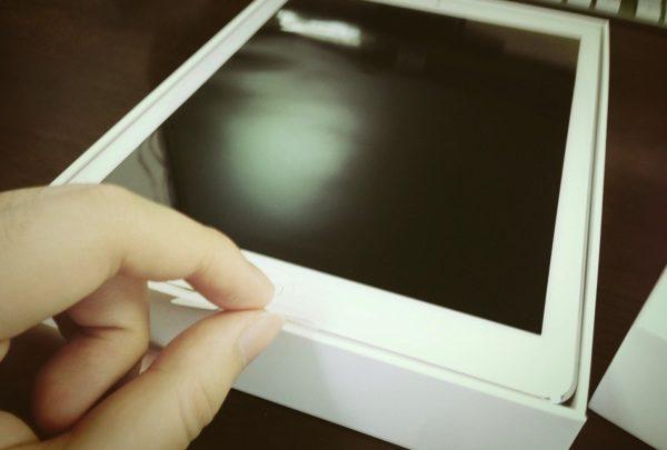 iPad Air 開封 & ファーストインプレッション! あのテープのつまみを引っぱり上げる瞬間が最高に幸せ