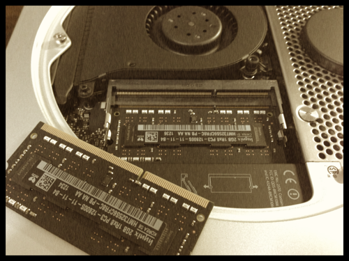 カンタン! 誰でもできるMac miniのメモリを増設する手順!