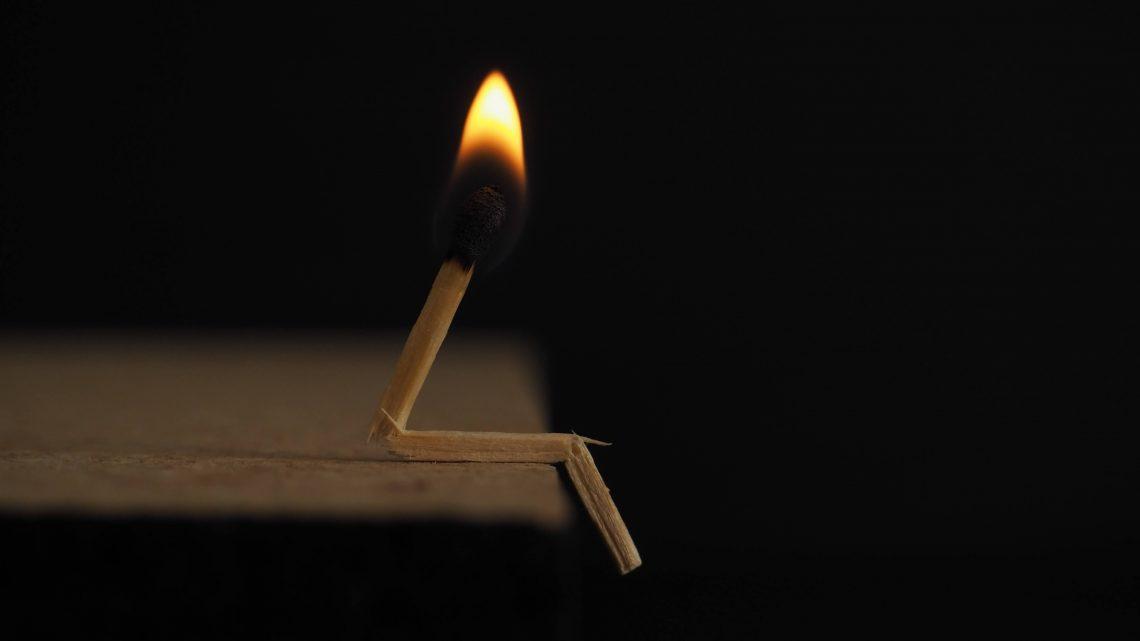 モノを買うとき「火事で燃えたら、これを買い直すか 」と考えてみる【節約術】